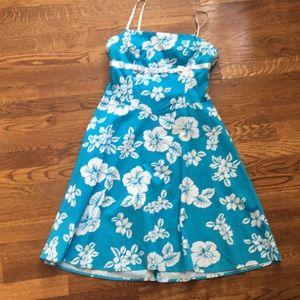 NWT CITY TRIANGLE 9 blue white floral dress junior